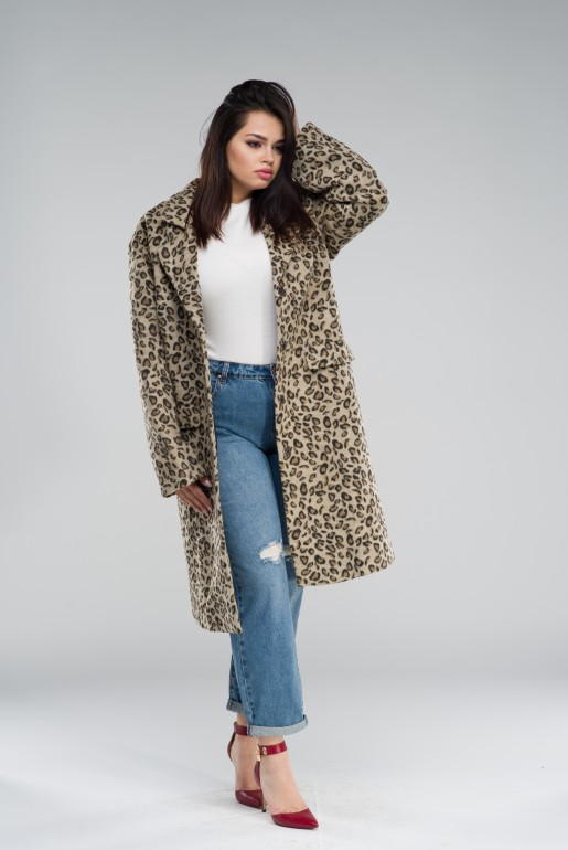 COAT IN LEOPARD PRINT