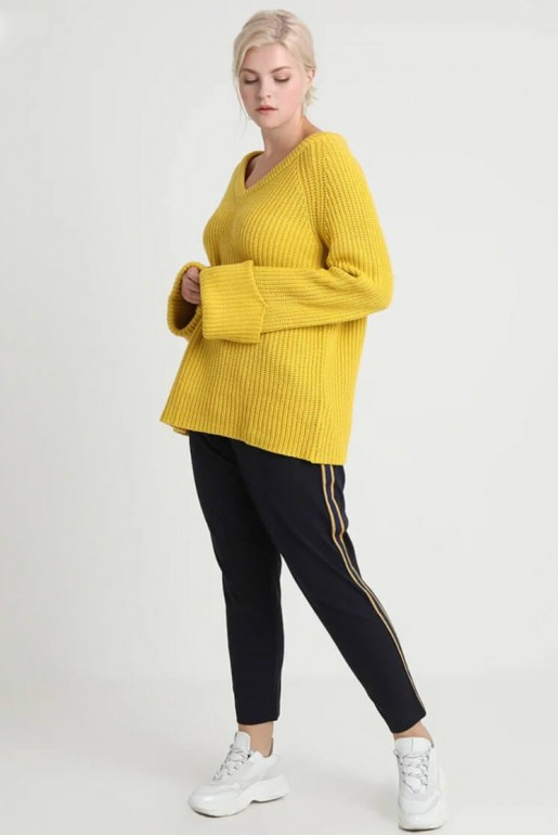 CHUNKY JUMPER WITH V NECK