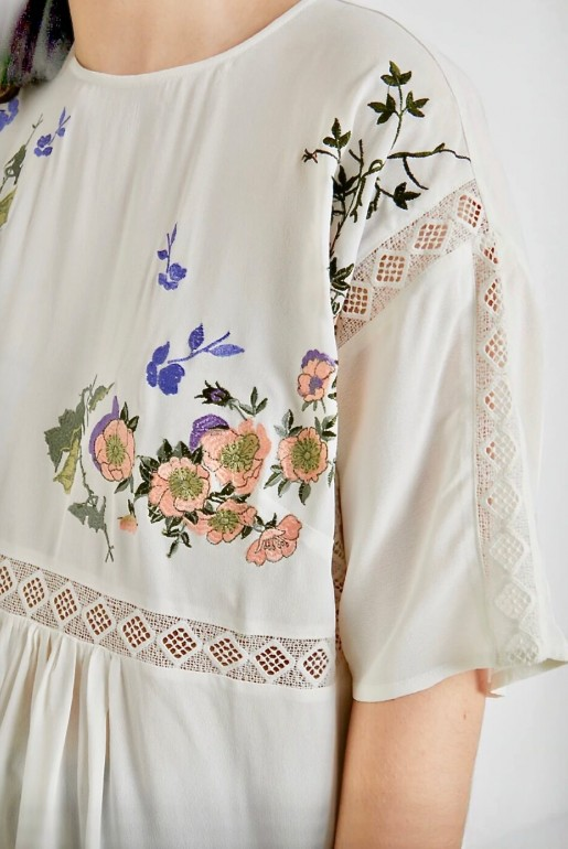 SMOCK TOP WITH BLOSSOM EMBROIDERY - Image 3