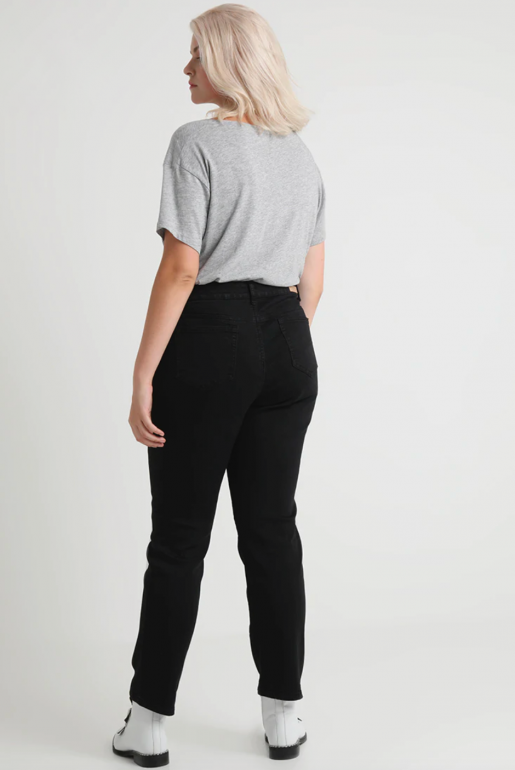 STRETCH MOM IN WASHED BLACK