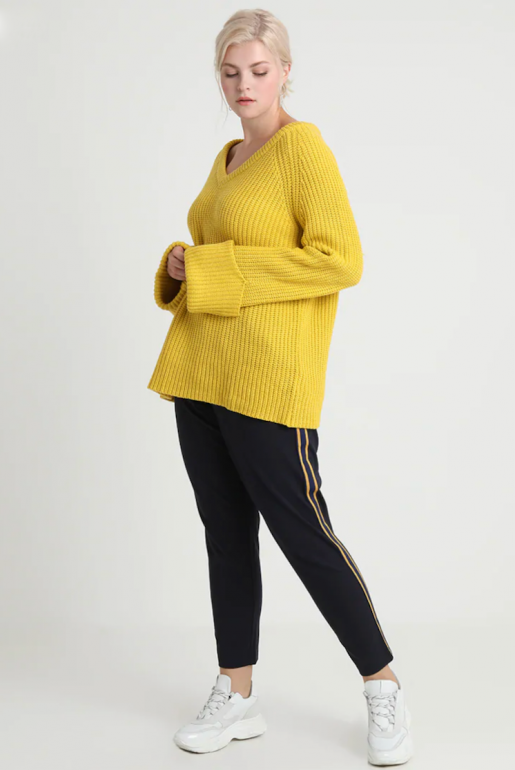 CHUNKY JUMPER WITH V NECK - Image 2