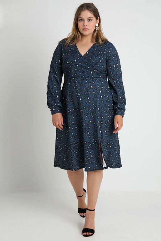 BUTTON WRAP DRESS IN LEOAPRD PRINT